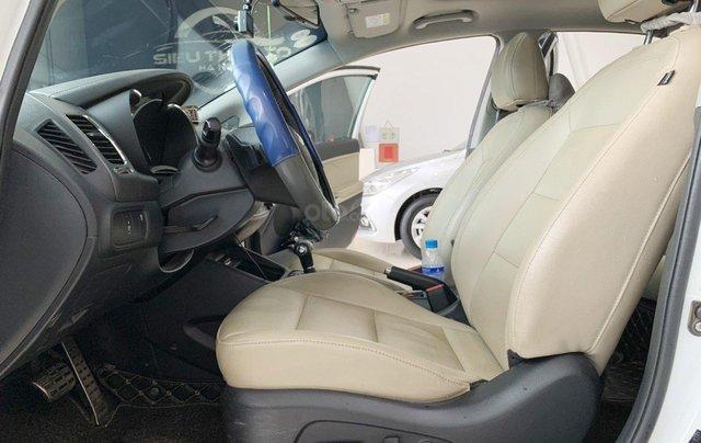 Bán xe Kia Cerato 2.0AT 2017 xe đẹp và trang bị nhiều tính năng nổi bật10