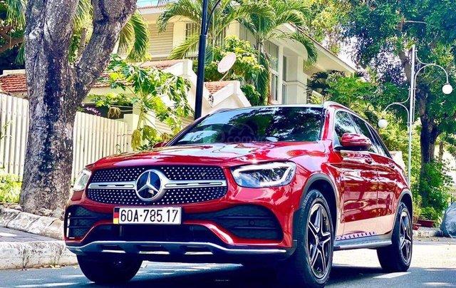 Bán xe Mercedes GLC300 AMG, SX 05/2020 màu đỏ0