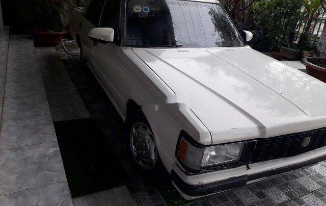 Bán Toyota Crown đời 1983, màu trắng, nhập khẩu nguyên chiếc4