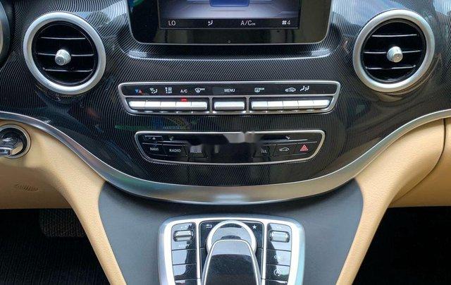 Bán xe Mercedes V220 năm sản xuất 2016, màu đen, nhập khẩu6