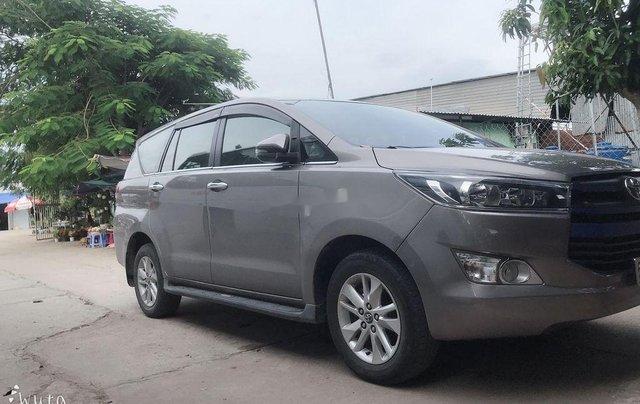 Cần bán xe Toyota Innova năm 2018 còn mới1