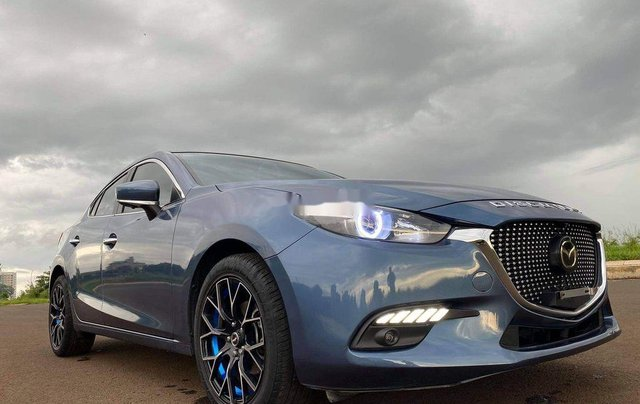 Cần bán gấp Mazda 3 sản xuất 20180