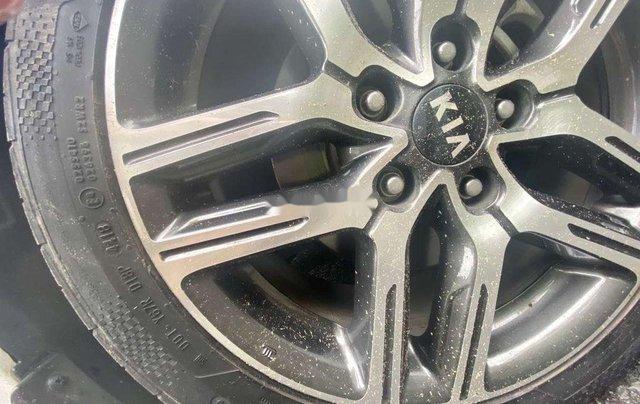 Cần bán xe Kia Cerato năm sản xuất 2019, màu trắng, giá 615tr 10