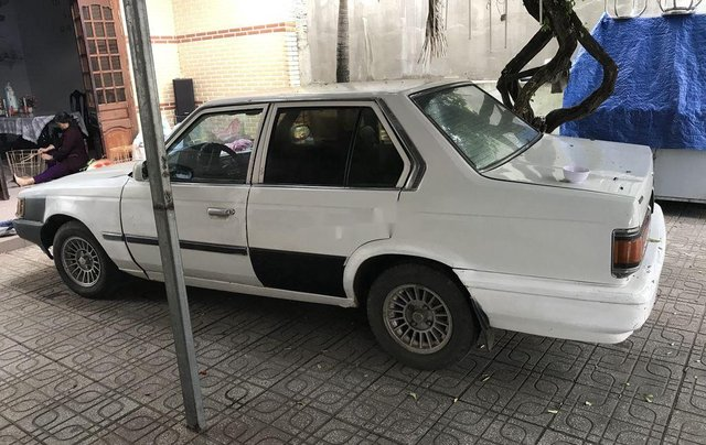 Cần bán Toyota Camry năm 1983, màu trắng, nhập khẩu nguyên chiếc3
