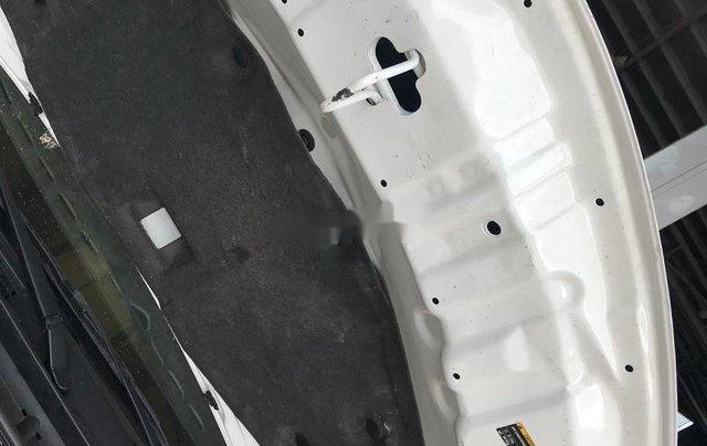 Bán Toyota Vios đời 2018, màu trắng, số sàn, giá tốt9