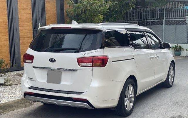 Xe Kia Sedona năm sản xuất 2016, màu trắng còn mới0