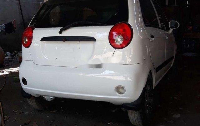 Cần bán gấp Chevrolet Spark 2010, màu trắng số sàn, 120 triệu2