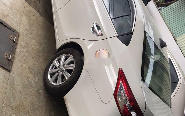 Bán Toyota Vios đời 2018, màu trắng, số sàn, giá tốt2