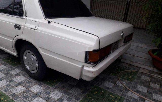 Bán Toyota Crown đời 1983, màu trắng, nhập khẩu nguyên chiếc2