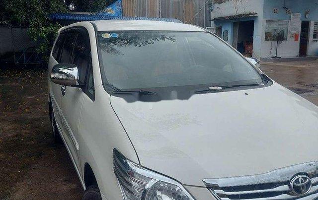 Cần bán xe Toyota Innova sản xuất 2013 còn mới, giá tốt0