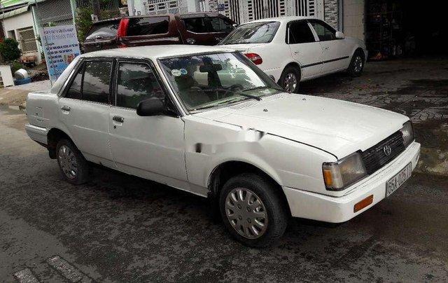 Cần bán gấp Toyota Corolla sản xuất 1982, màu trắng, nhập khẩu 0