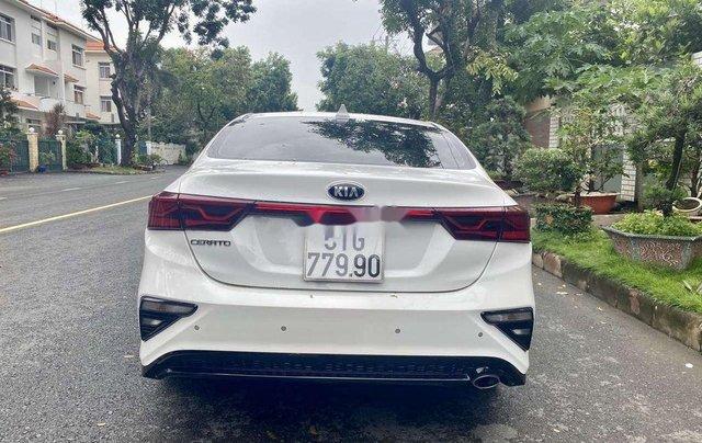 Cần bán xe Kia Cerato năm sản xuất 2019, màu trắng, giá 615tr 2