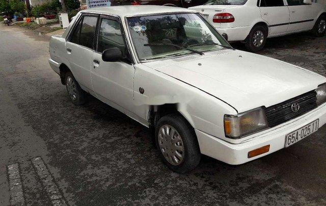 Cần bán gấp Toyota Corolla sản xuất 1982, màu trắng, nhập khẩu 6