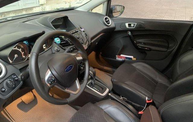 Cần bán Ford Fiesta sản xuất năm 2016, màu xám còn mới, giá 390tr1