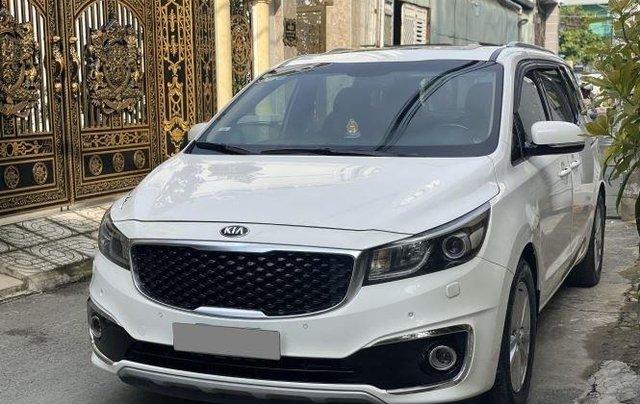 Xe Kia Sedona năm sản xuất 2016, màu trắng còn mới7