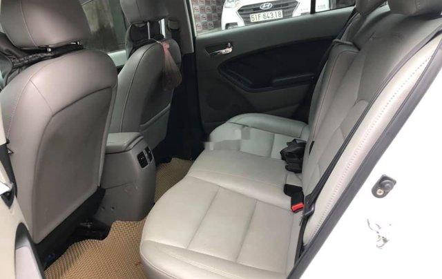 Cần bán lại xe Kia K3 sản xuất năm 2015, màu trắng, 466 triệu8