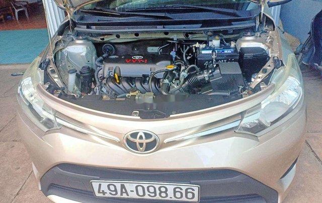Cần bán lại xe Toyota Vios đời 2015, nhập khẩu nguyên chiếc xe gia đình, 325tr8