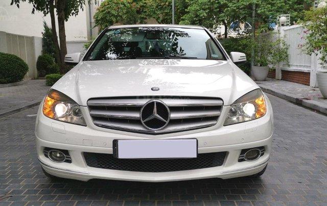 Mercedes C300 model 2010, màu trắng0
