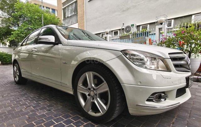 Mercedes C300 model 2010, màu trắng2
