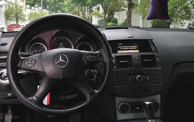 Mercedes C300 model 2010, màu trắng14