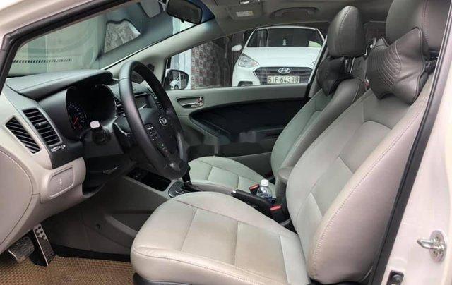 Cần bán lại xe Kia K3 sản xuất năm 2015, màu trắng, 466 triệu6