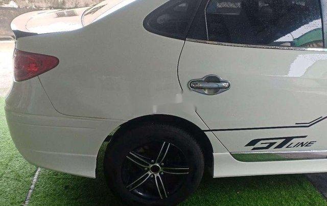 Cần bán Hyundai Avante năm 2011 còn mới, giá chỉ 295 triệu2