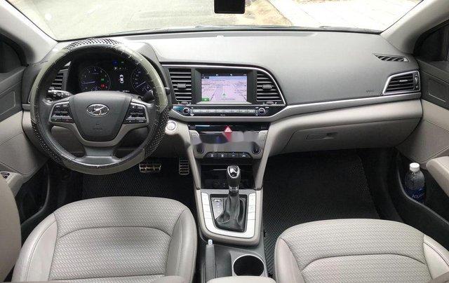 Bán lại xe Hyundai Elantra 2.0AT sản xuất 2016, biển TP. HCM7