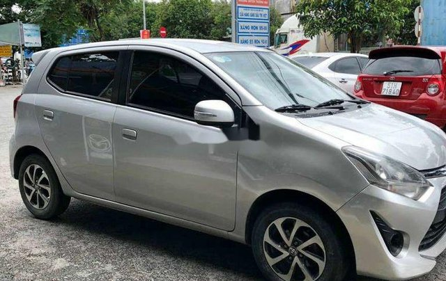 Bán xe Toyota Wigo đời 2018, màu bạc, nhập khẩu số sàn2