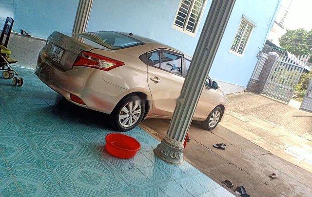 Cần bán lại xe Toyota Vios đời 2015, nhập khẩu nguyên chiếc xe gia đình, 325tr5