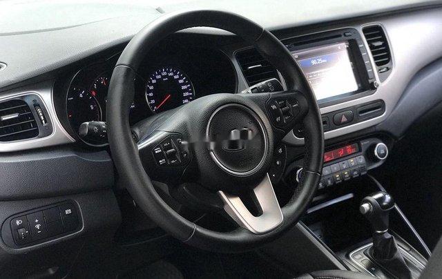 Bán lại xe Kia Rondo đời 2016, màu trắng, máy dầu6