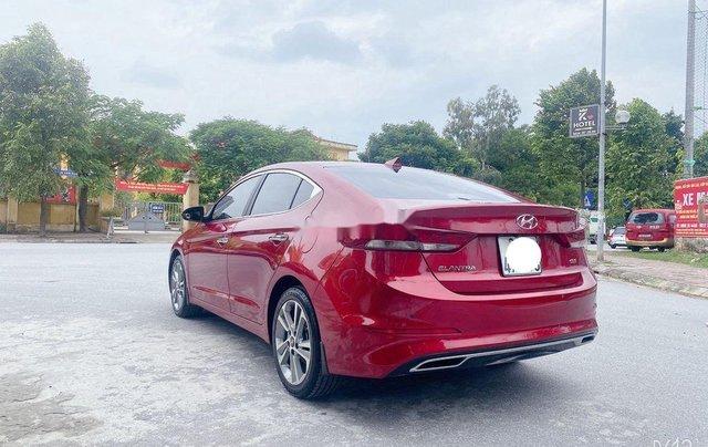 Bán Hyundai Elantra năm sản xuất 2018, màu đỏ, xe nhập 5