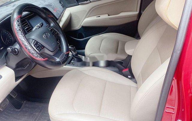 Bán Hyundai Elantra năm sản xuất 2018, màu đỏ, xe nhập 7