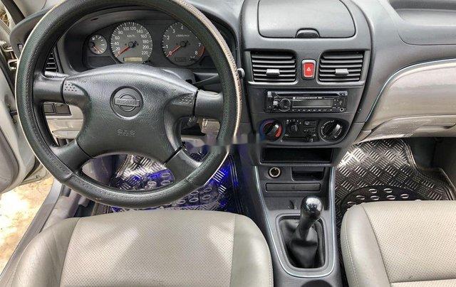 Bán Nissan Sunny đời 2000, màu bạc, xe nhập, giá chỉ 180 triệu9