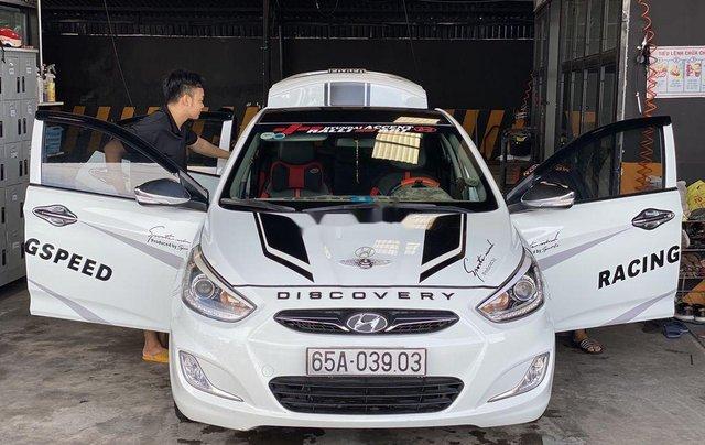 Cần bán gấp Hyundai Accent Blue sản xuất 2013, nhập khẩu nguyên chiếc còn mới2