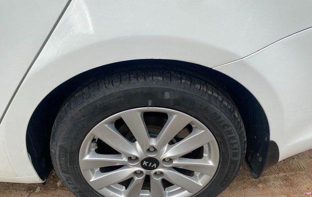Chính chủ bán Kia Cerato sản xuất năm 2017, màu trắng0