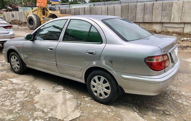 Bán Nissan Sunny đời 2000, màu bạc, xe nhập, giá chỉ 180 triệu3