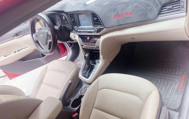 Bán Hyundai Elantra năm sản xuất 2018, màu đỏ, xe nhập 9