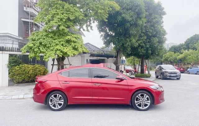 Bán Hyundai Elantra năm sản xuất 2018, màu đỏ, xe nhập 4