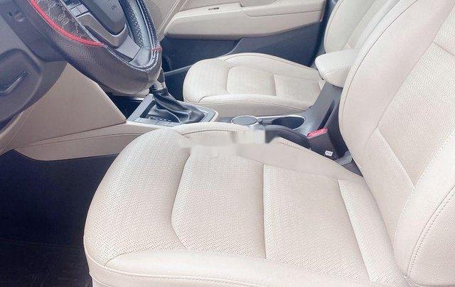 Bán Hyundai Elantra năm sản xuất 2018, màu đỏ, xe nhập 10
