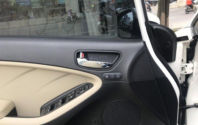 Bán nhanh Kia Cerato 1.6 AT 2017, xe gia đình đi giữ gìn7