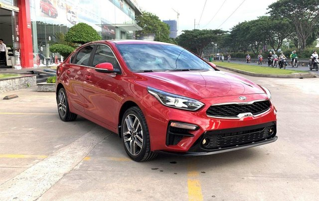Kia Cerato 1.6 Luxury 2020 đỏ - 1 tháng cuối cùng để hưởng ưu đãi thuế trước bạ 50%, trả góp 85%, nhận xe chỉ với 150tr0