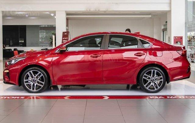 Kia Cerato 1.6 Luxury 2020 đỏ - 1 tháng cuối cùng để hưởng ưu đãi thuế trước bạ 50%, trả góp 85%, nhận xe chỉ với 150tr5