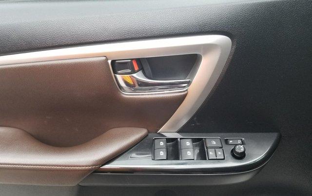 Bán Toyota Fortuner, máy xăng, một cầu, xe nhập khẩu, sản xuất 20175