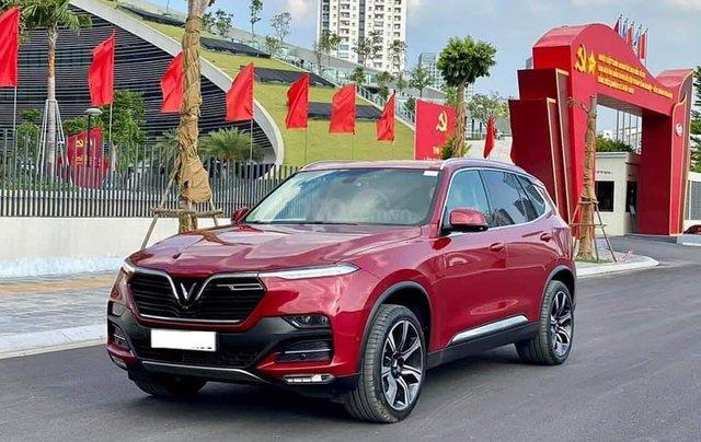 Bán nhanh Vinfast Lux SA 2.0 đời 2020, màu đỏ1