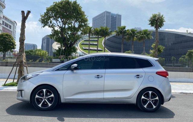 Cần bán xe Kia Rondo SX 2016, màu bạc, nội thất đen, máy dầu1