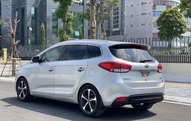 Cần bán xe Kia Rondo SX 2016, màu bạc, nội thất đen, máy dầu2