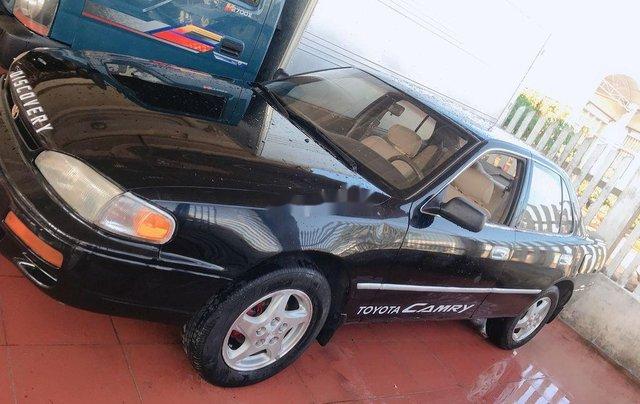 Bán ô tô Toyota Camry năm 1997, màu đen, xe nhập số tự động, giá 39tr0