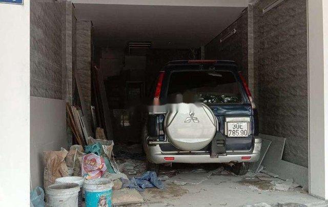 Cần bán xe Mitsubishi Jolie xe gia đình sản xuất năm 2004, nhập khẩu nguyên chiếc