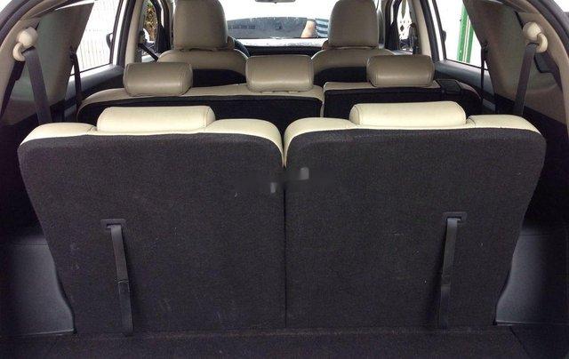 Cần bán Kia Rondo số sàn màu trắng tinh năm sản xuất 2018, xe còn mới, giá ưu đãi5