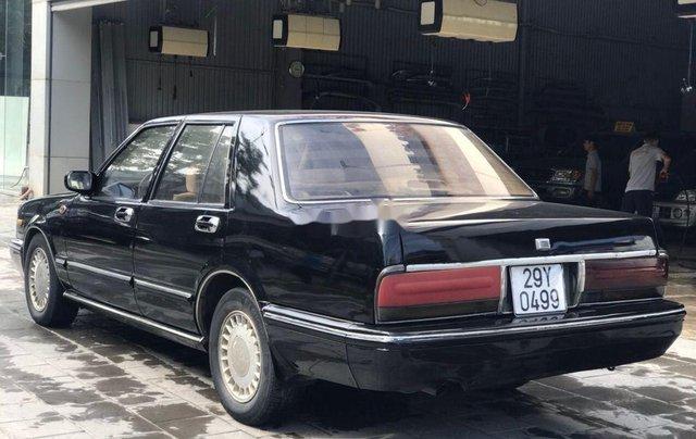 Bán Nissan Cedric đời 1993, màu đen, số sàn3